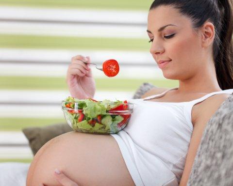 Названа найбезпечніша дієта для вагітних