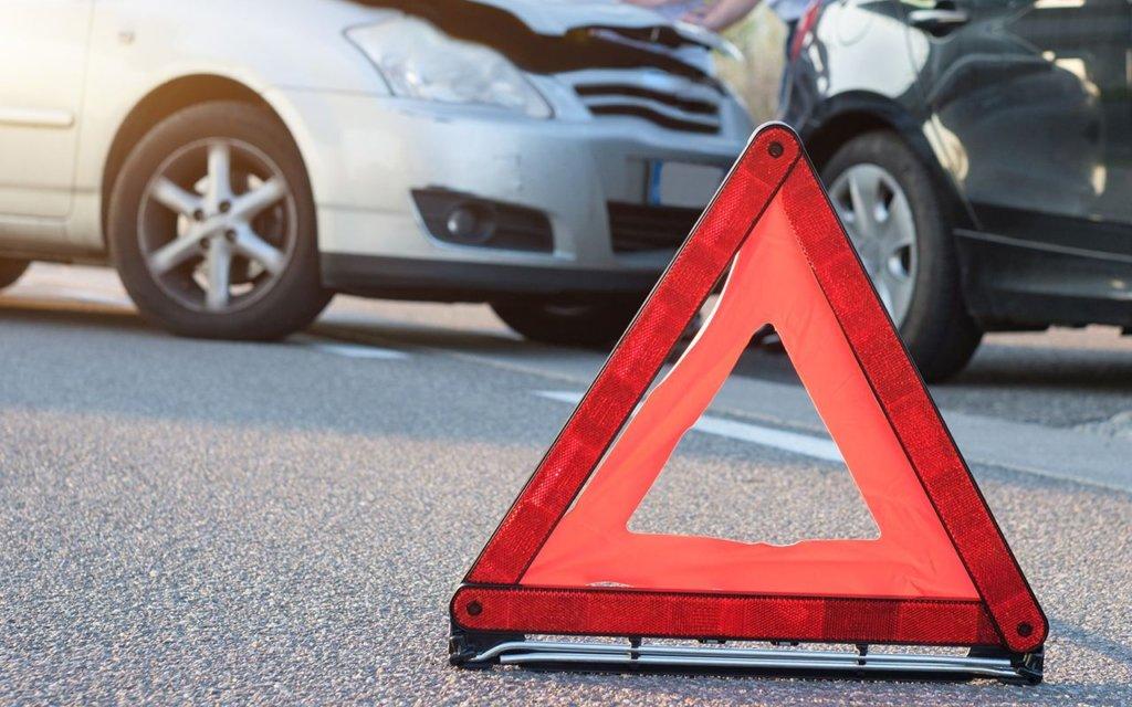 Грузовик протаранил машину «скорой» в Днепре: много пострадавших