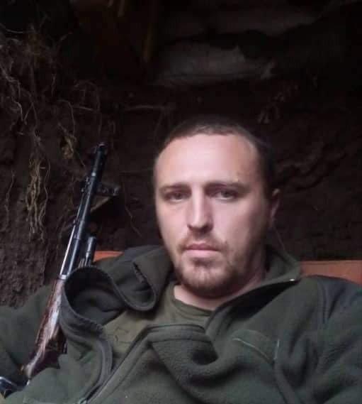 Під ворожими обстрілами на Донбасі загинув український розвідник: що відомо