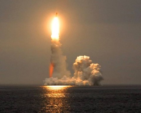 Ніяк не вгамуються: РФ знову влаштувала ракетні пуски в Баренцевому морі