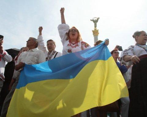 Марш защитников Украины: в парке Шевченко проходят последние подготовки