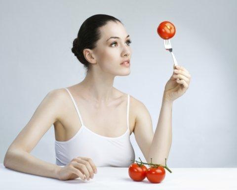 Ці 7 звичок змушують людей набирати зайву вагу