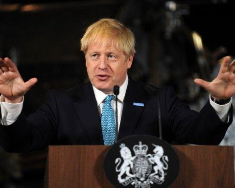 Хворого на коронавірус прем'єра Британії госпіталізували
