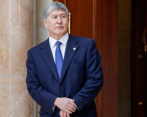 Екс-президент Киргизстану здався поліції після чергового штурму