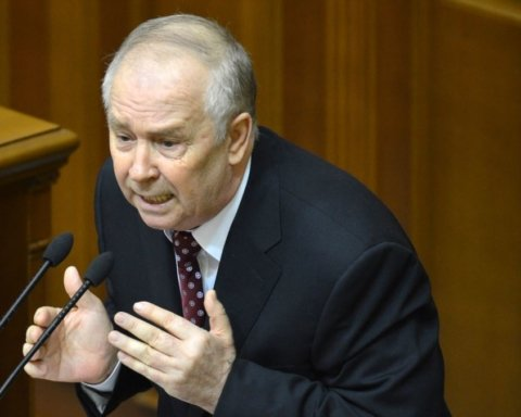 На первое заседание новой Рады пригласили одиозного политика времен Януковича