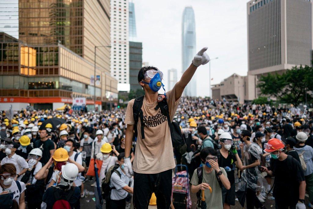 Протести у Гонконзі: силовики вперше вдались до використання водометів