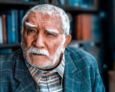 У Армена Джигарханяна случился инсульт: что известно о его состоянии