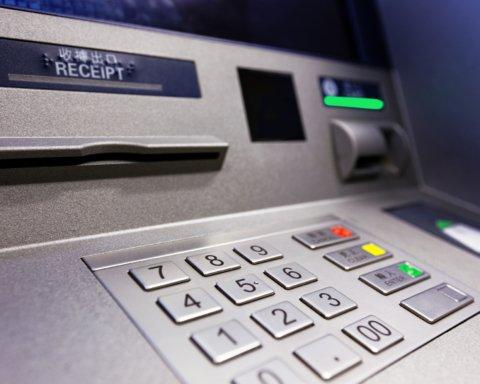 В «ДНР» начались проблемы с деньгами: нет даже в банкоматах