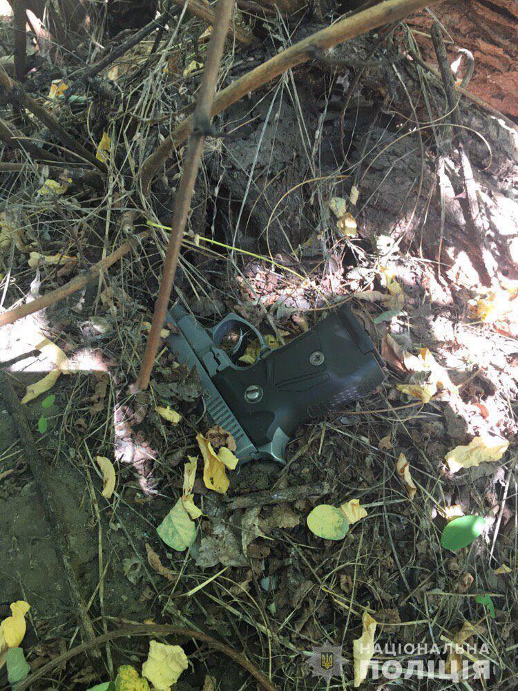 Грабіжник поранив поліцейського в Дніпрі: перші подробиці НП