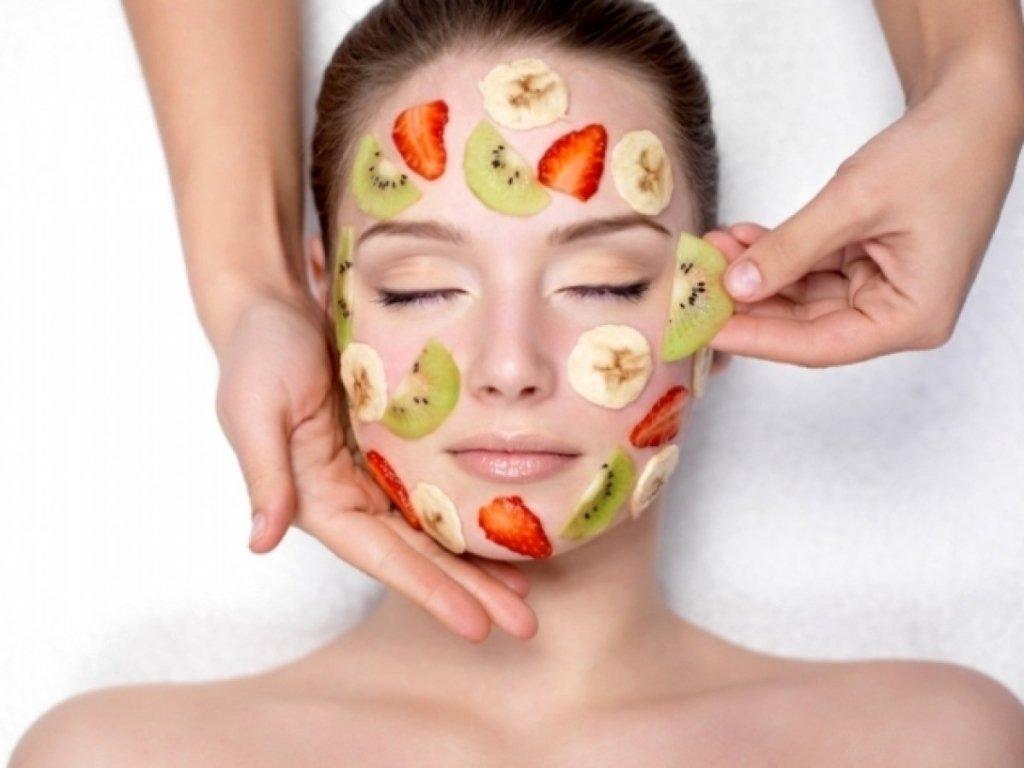 Названа небезпека від використання овочевих масок для обличчя