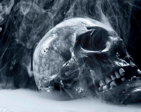 В Америке от «безопасных» электронных сигарет умер первый в мире человек: подробности
