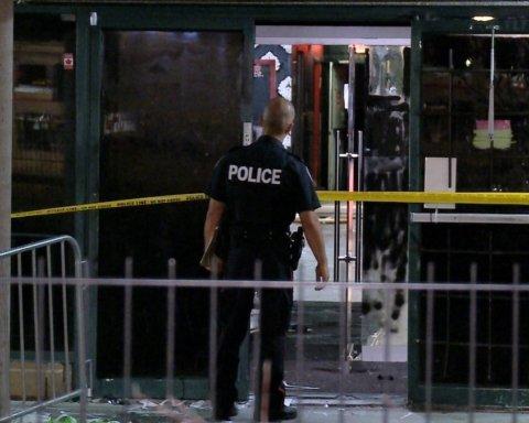 Неизвестный расстрелял людей в клубе в Торонто: первые подробности с места