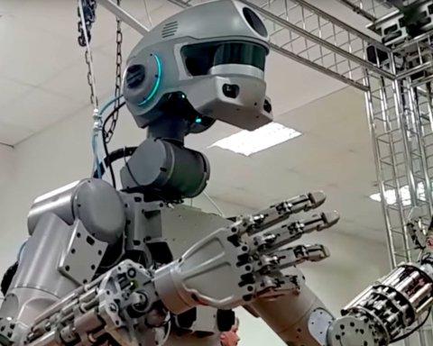 Цирк в космосе: россияне только с 15-й попытки смогли включить робота FEDOR