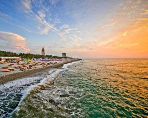 Оксамитовий сезон починається: українцям порадили де провести відпустку