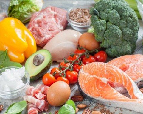Позбавляє зайвих кілограмів та береже від раку: названо найкращу дієту