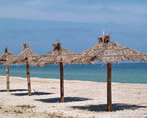 Заздріть: в мережі порівняли пляжі окупованої Ялти та української Кирилівки