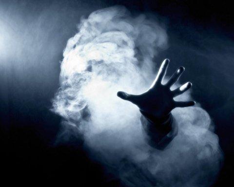 Київ затягнуло їдким димом: подробиці та фото НП