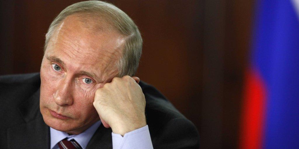 Путин вновь попал в карикатуру из-за ЧП на военных учениях