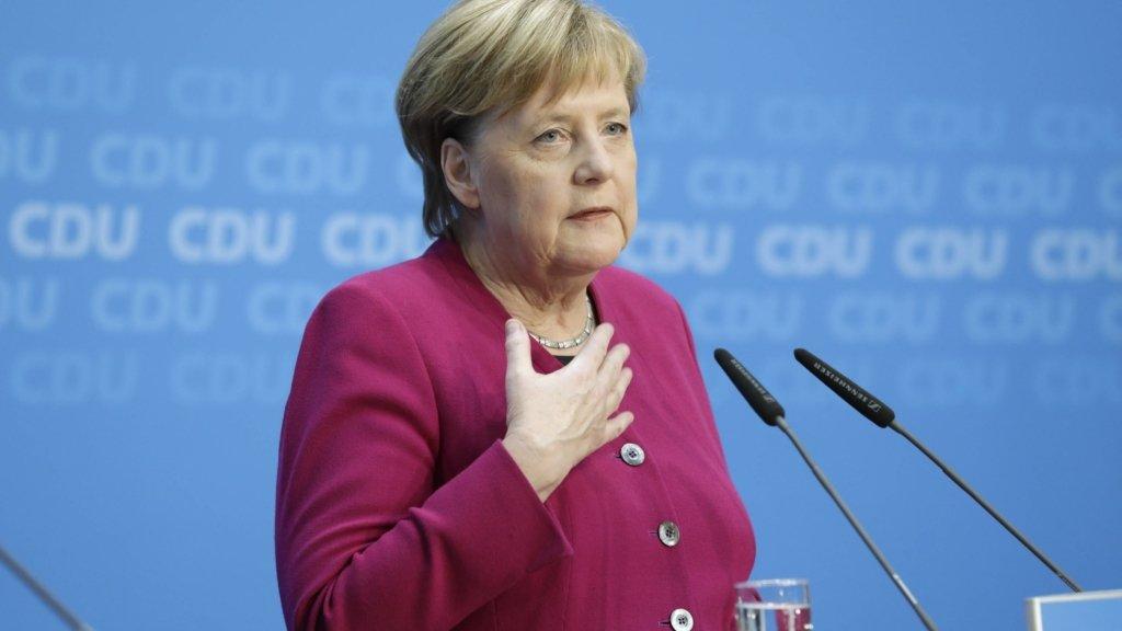 Меркель хоче змусити Путіна піти на переговори із Зеленським