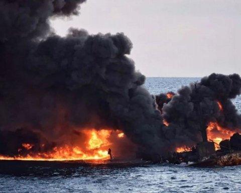 В Черном море внезапно загорелось судно: подробности