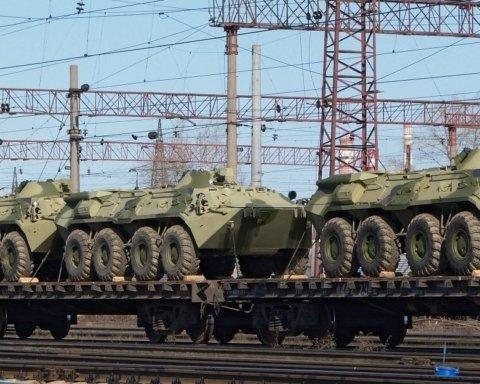 Росія стягує важку бойову техніку на кордоні з Україною: з'явилися докази