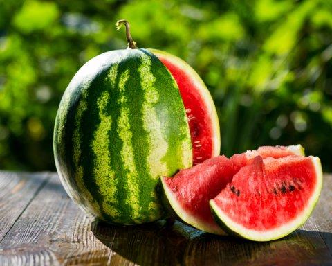 Експерти назвали найкорисніші фрукти і ягоди в серпні