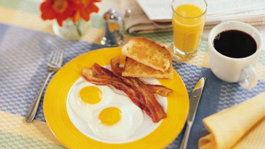 Як сніданок впливає на ефективність схуднення: поради лікаря
