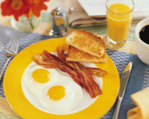 Как завтрак влияет на эффективность похудения: советы врача