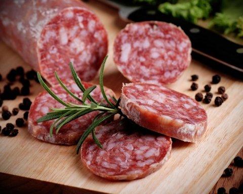 Вживання ковбаси виявилось нічим не кращим для здоров'я, аніж паління
