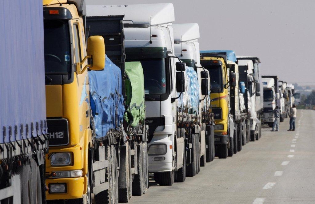 На подъездах к Киеву фуры будут взвешивать прямо посреди движения: первые подробности