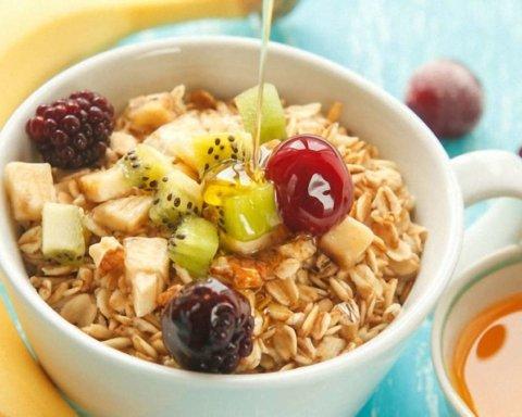Как снизить давление во время завтрака: полезные советы