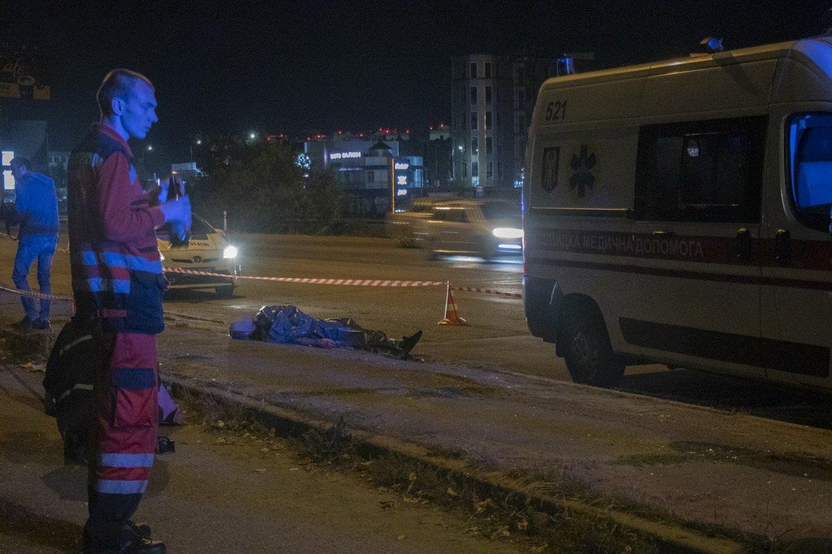 Перерізали горло і викинули з авто: в Києві сталося жахливе вбивство