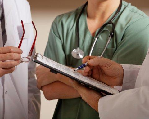 Онкологи рассказали о диете, которая поможет побороть рак