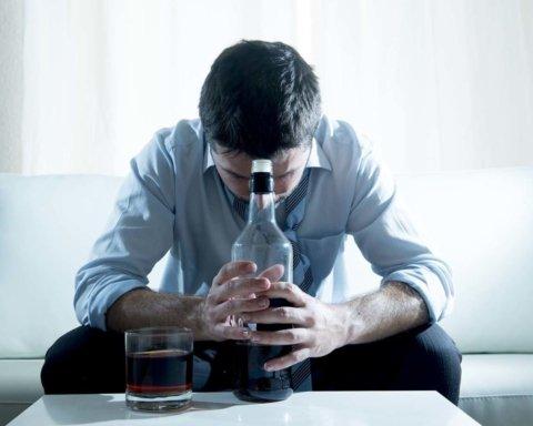 Исследователи научились лечить алкоголизм с помощью наркотиков