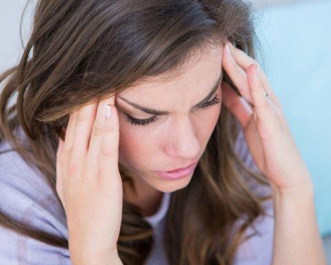 Медики пояснили, як лікувати головний біль через погану погоду