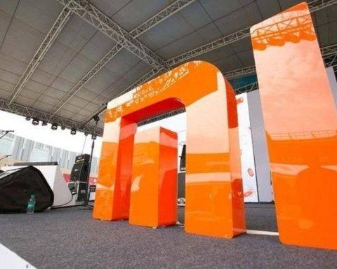 Xiaomi разрабатывает «умный» шарф, который сам окутывает шею
