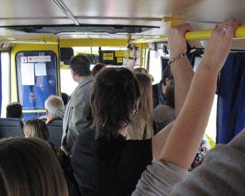 В Киеве пассажир маршрутки унизил украинцев: все попало на видео