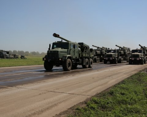 У колоні військової техніки стався вибух: деталі НП у Миколаївській області