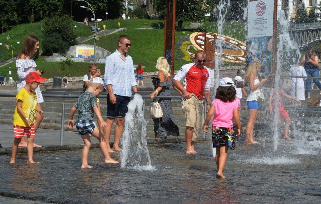 Ударит жара: синоптики озвучили прогноз погоды на 11 мая