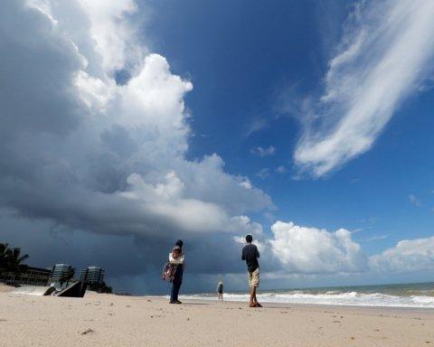 Катастрофический ураган Дориан сняли из космоса