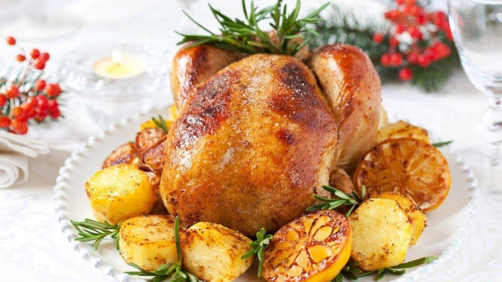 Теперь это полезно: медики развенчали миф о «вреде» куриной кожи