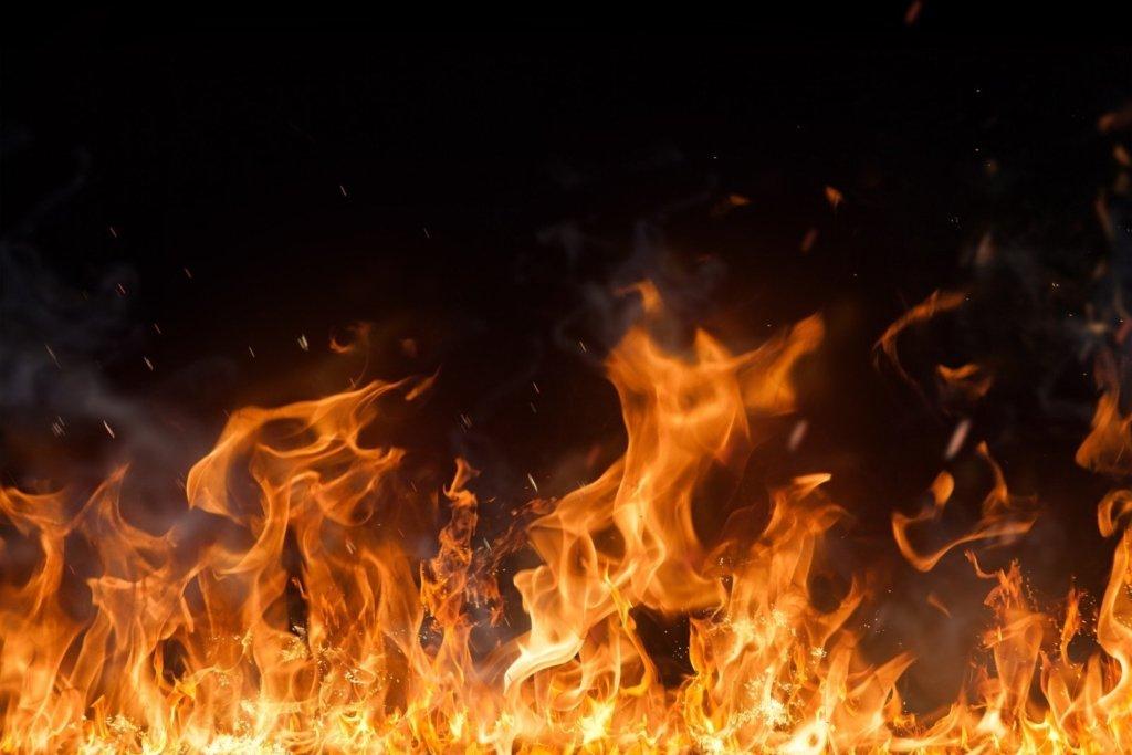 На трасі Київ-Одеса горять фури: очевидці повідомляють про загиблих