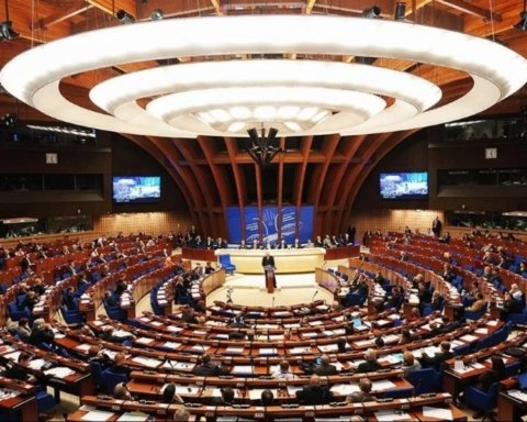 У Пристайко жалуются, что секретариат ПАСЕ пытается оказывать давление на украинскую делегацию