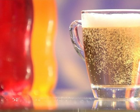 Ці напої призводять до передчасної смерті: що краще не вживати