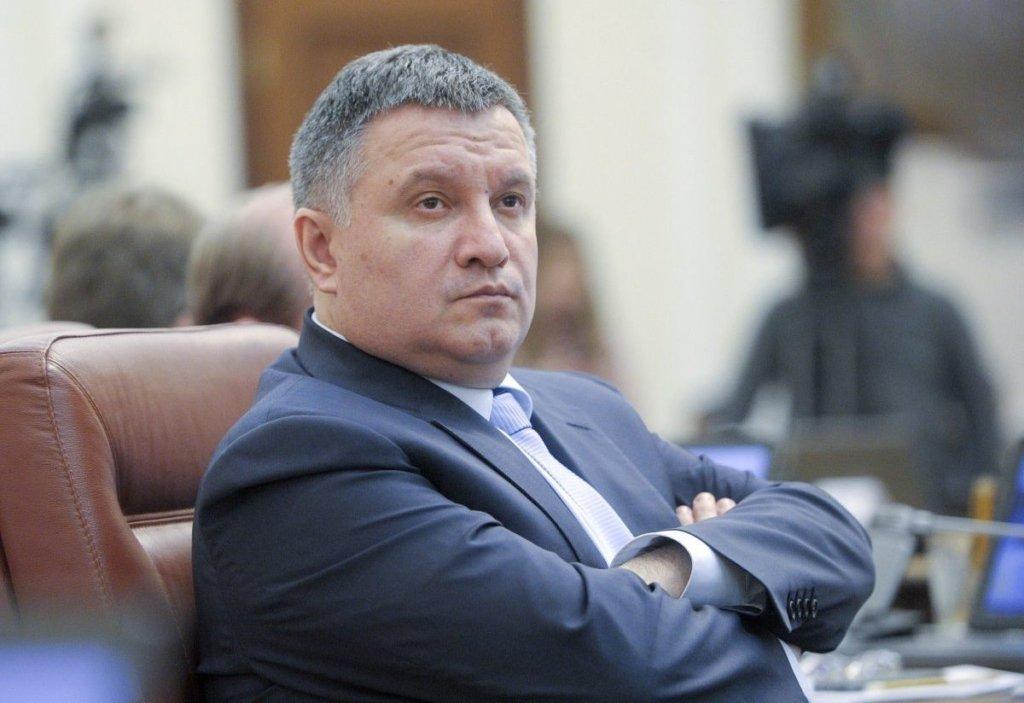 Успішний реформатор: у Зеленського пояснили, навіщо залишив Авакова