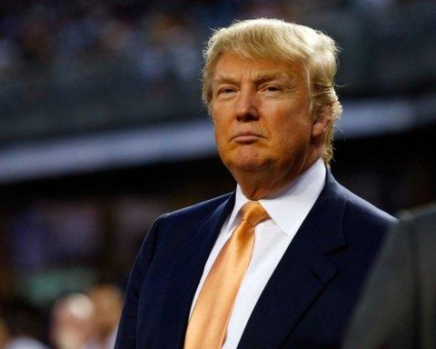 Телефонный разговор с Зеленским может стоить Трампу импичмента: что известно