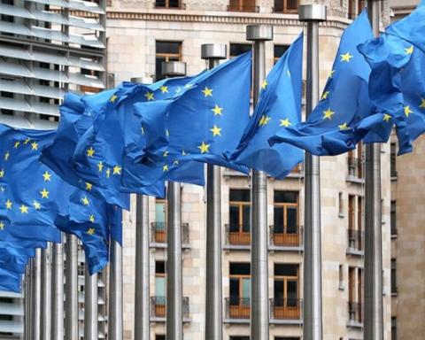 ЕС продлил персональные антироссийские санкции: первые подробности