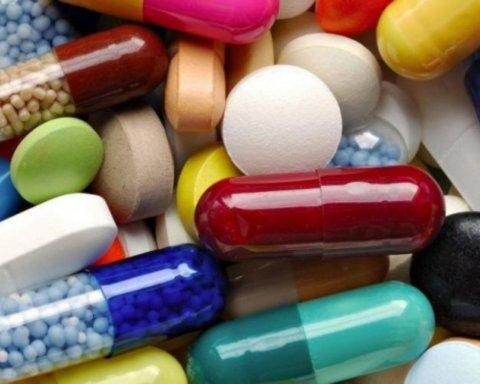 Врачи развеяли опасные мифы об антибиотиках: что нужно знать