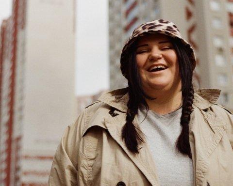 Alyona Alyona презентовала новый клип, посвященный булингу