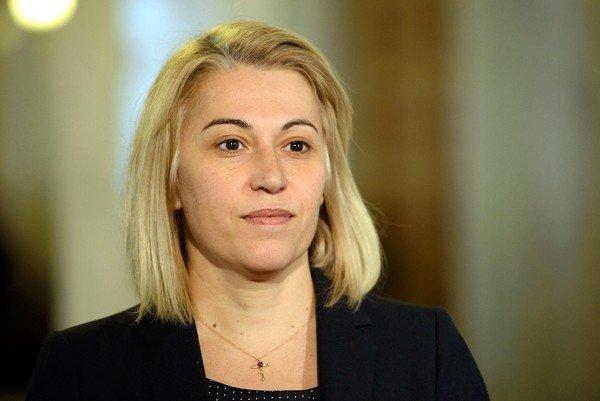 """Молодь без досвіду та """"нові"""" обличчя: цікаві факти про нових міністрів"""
